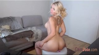 Ashley Benson Lookalike Squirting Camshow