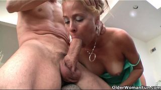 Blonde Milf Payton Leigh Pussy Drained