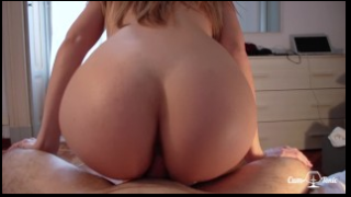 Amazing Ass Girlfriend Squirts Riding Cock