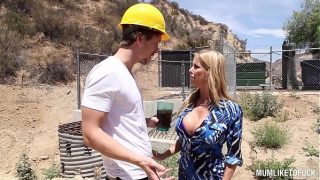 Alexis Fawx Fucked Squirting With Construction Worker